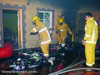 «دفاع مدني» الفجيرة يسيطر على حريق في أحد البيوت بالمضب