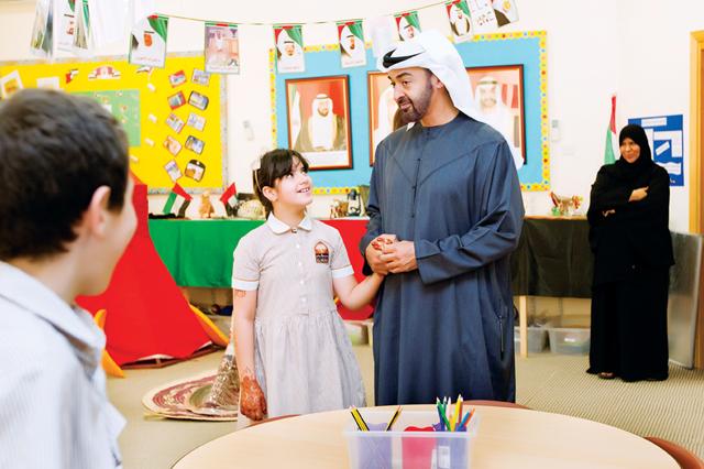 محمد بن زايد يلتقي التلميذة اليازية ملبياً دعوتها