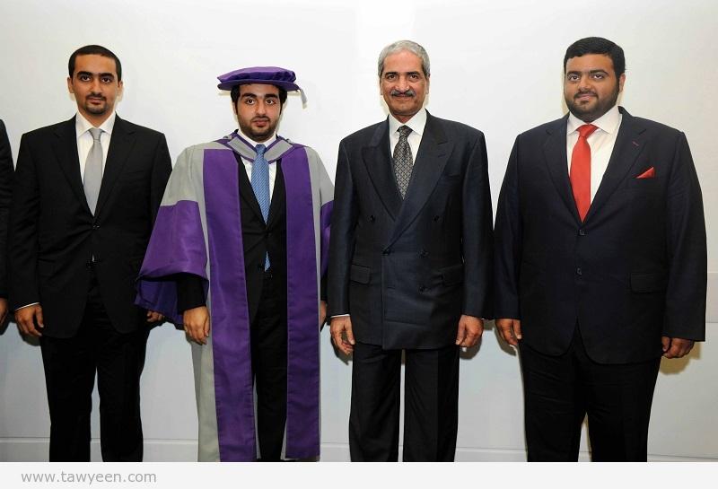 الشرقي يشهد حفل تخرج نجله راشد في جامعة لندن ميتروبوليتان ونال درجة الدكتوراه مع مرتبة الشرف في تخصص الاقتصاد