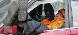 النوم داخل المركبات والمكيفات بوضع التشغيل .. «انتحار بطيء»