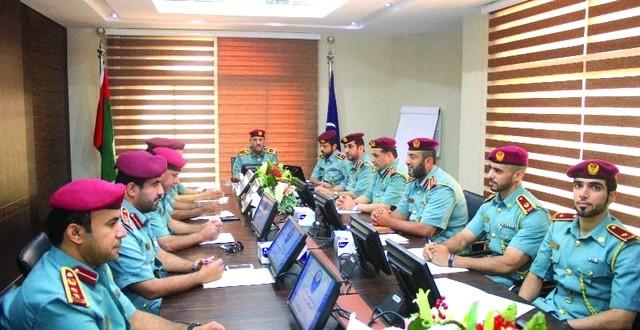 لجنة القيادة في شرطة الفجيرة تناقش نتائج استطلاعات 2014