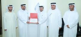 الهلال الأحمر يكرم جمعية الفجيرة الخيرية