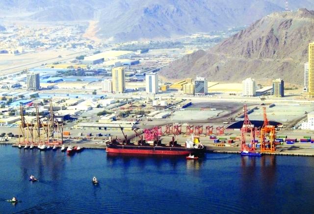 100 مليون درهم كلفة رصيفين جديدين في ميناء الفجيرة