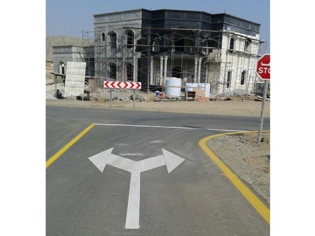 بتوجيهات الشرقي ومتابعة محمد بن حمد إنشاء طرق داخلية في الفجيرة بطول 20 كيلو متراً